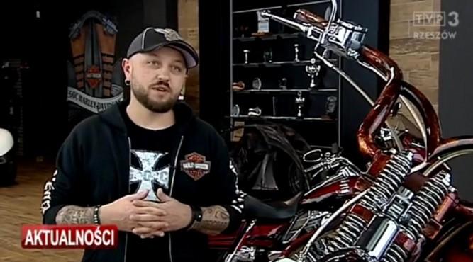 Stanisław Myszkowski, właściciel Game Over Cycles fot. kadr TVP Rzeszów